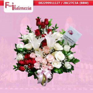 pesan bunga handbouquet di semarang    https://www.floristindonesia.florist/