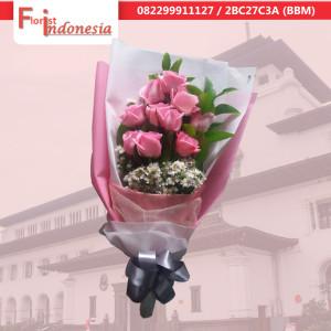rangkaian bunga handbouquet di bandung | https://www.floristindonesia.florist/