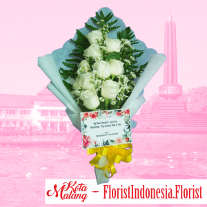 Hand bouquet 10 tangkai bunga mawar putih