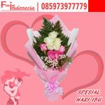 hadiah spesial hari ibu buket mawar