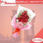 Hand Bouquet Bunga Mawar Merah Kediri