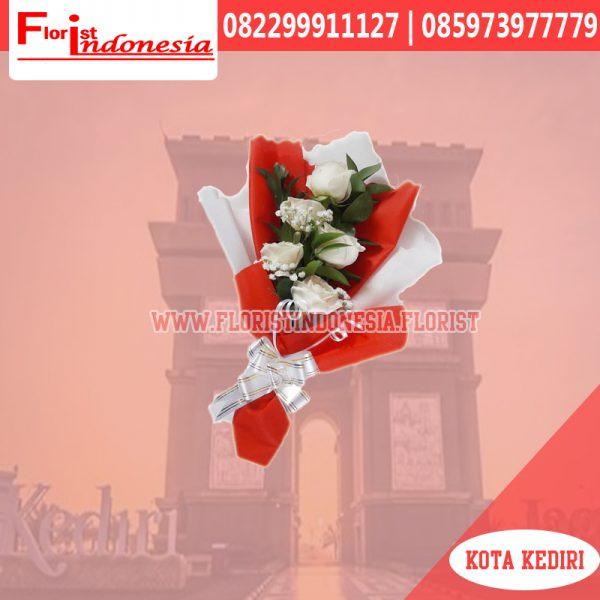 hand bouquet bunga mawar kediri