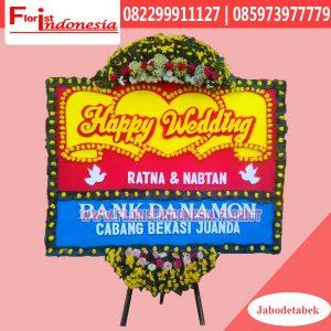 Karangan Bunga Papan Wedding Jakarta Pusat FJKTW-006