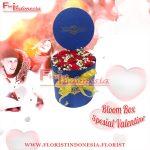 Bloom Box Biru Valentine Mawar Merah